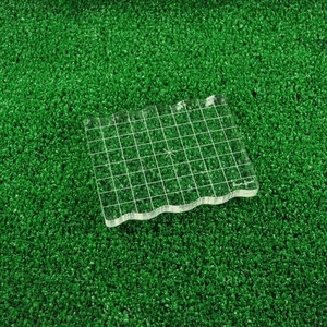 Lawn Fawn 4 x 5 Inch Acrylic RECTANGLE Grip Block with Grid zoom image